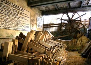 moulin vallis clause papeterie fontaine de vaucluse provence vaucluse visite guide